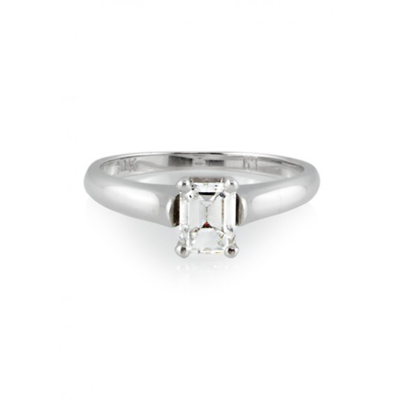 Things To Consider While Buying Engagement Rings For The Beloved