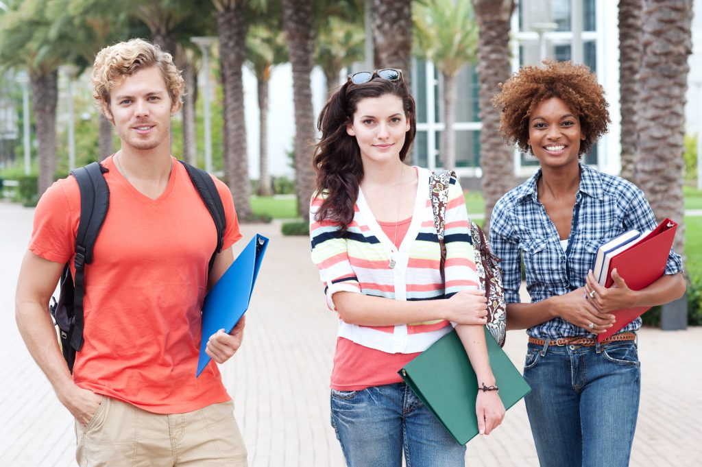 Why Online Tutoring Is A Good Option For Students?