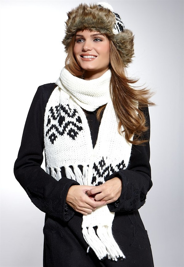 How To Wear Fashion Scarves?