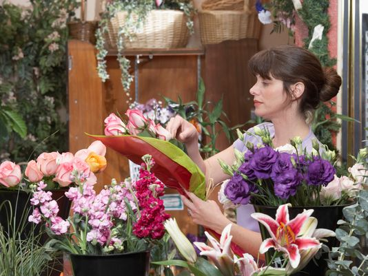 Everything You Need To Know Before Opting Online Flower Delivery!