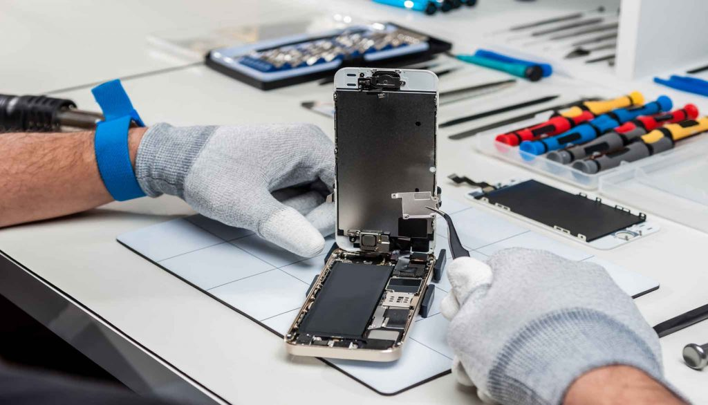 Why Cell Phone Repair Companies Are The Best Option For You