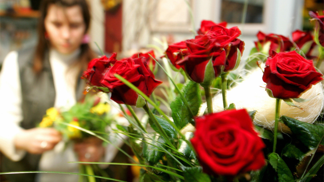Jingle Your Sweetheart's Heart This Valentine With Next Day Flower's Delivery