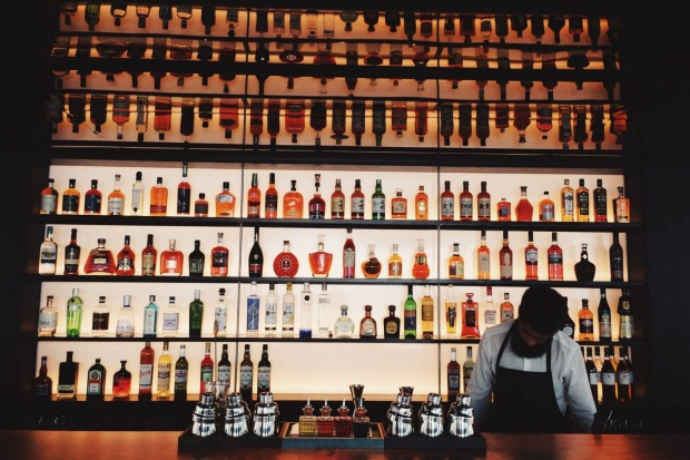 Tips To Identify The Best Bar Cafe Displays