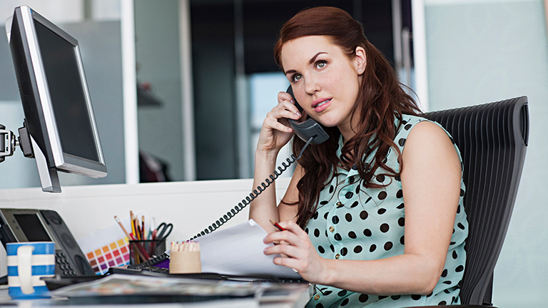 Use Internet and IP Phones To Move Your Business To Next Level