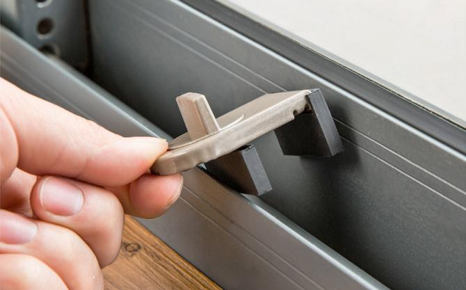 2 Innovative Locking Ideas For The Sliding Doors