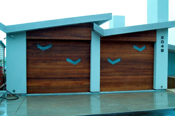 How An Ugly Garage Door Affects The Appeal Of Your Home