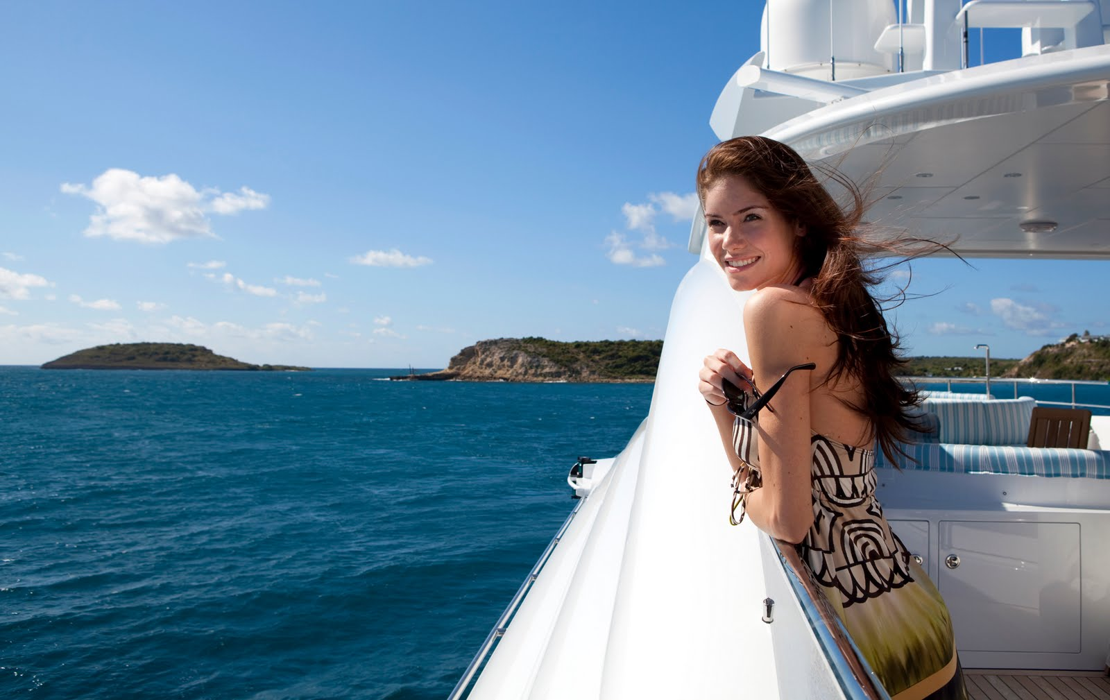 Have A Lifetime Cruise Experience Through Yacht Charter Miami
