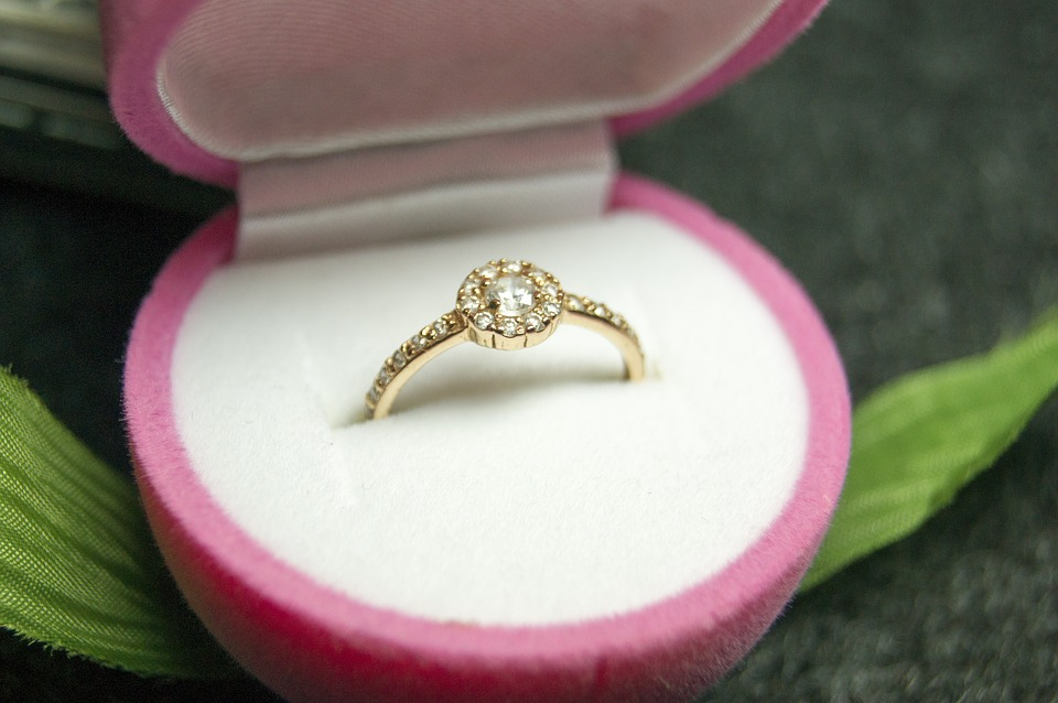 7 Tips To Help You Buy The Perfect Diamond Engagement Ring