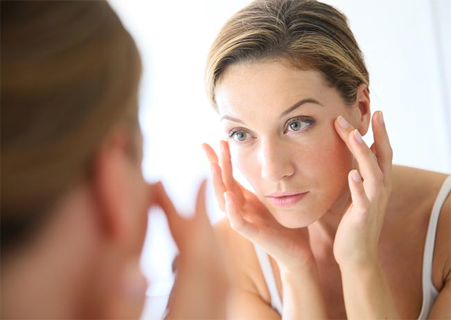 Top 8 Things To Consider Before Buying An Anti Aging Cream