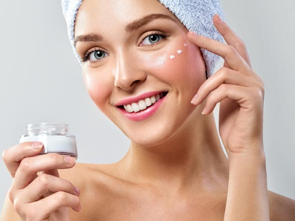 How To Moisturize Acne Prone Dry Skin During Winter