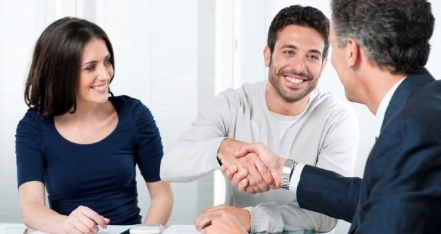 Pros and Cons Of Hiring Mortgage Agents
