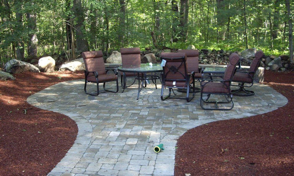 Learn More About Hardscape Garden Walls from David Montyoa Stonemakers