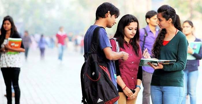Reasons Why People Choose Online Coaching Over Conventional Coaching For IIT JEE