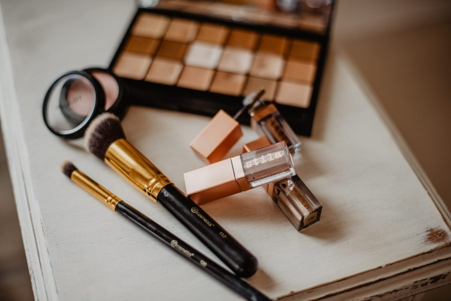 5 Essentials To Have In Your Makeup Kit